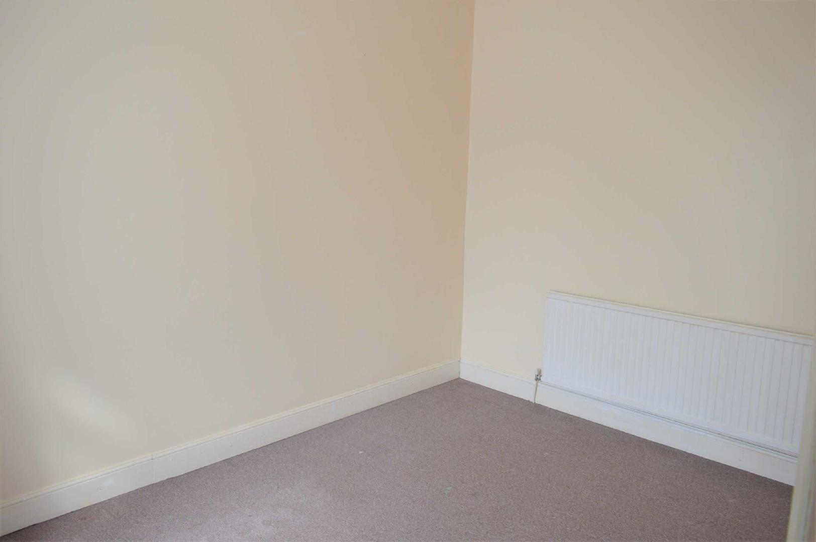 Iorwerth Street, Manselton, Swansea, SA5 9NP